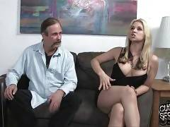 Sarah Vandella and her husband visit their family psychotherapist.