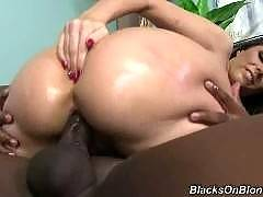 blacks on blondes-Paige Turnah