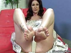 black meat white feet - Tiffany Mynx